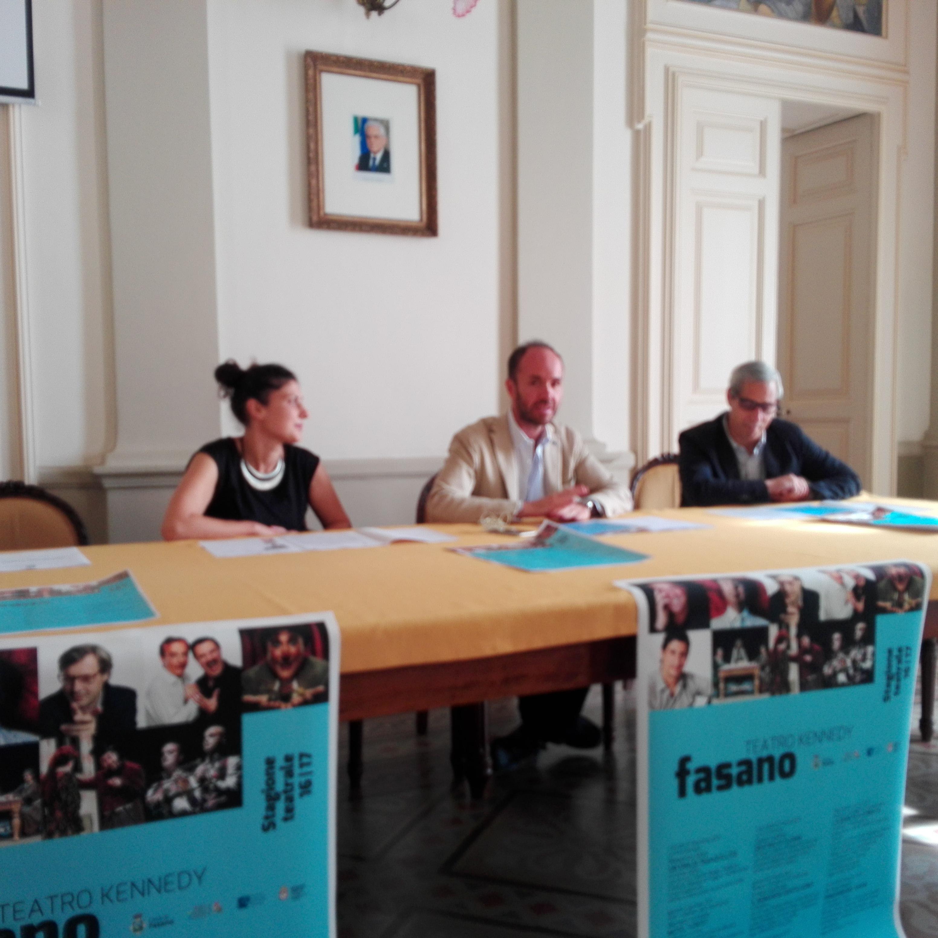 Comune di fasano br stagione teatrale 2016 2017 nove for Angelini arredamenti fasano